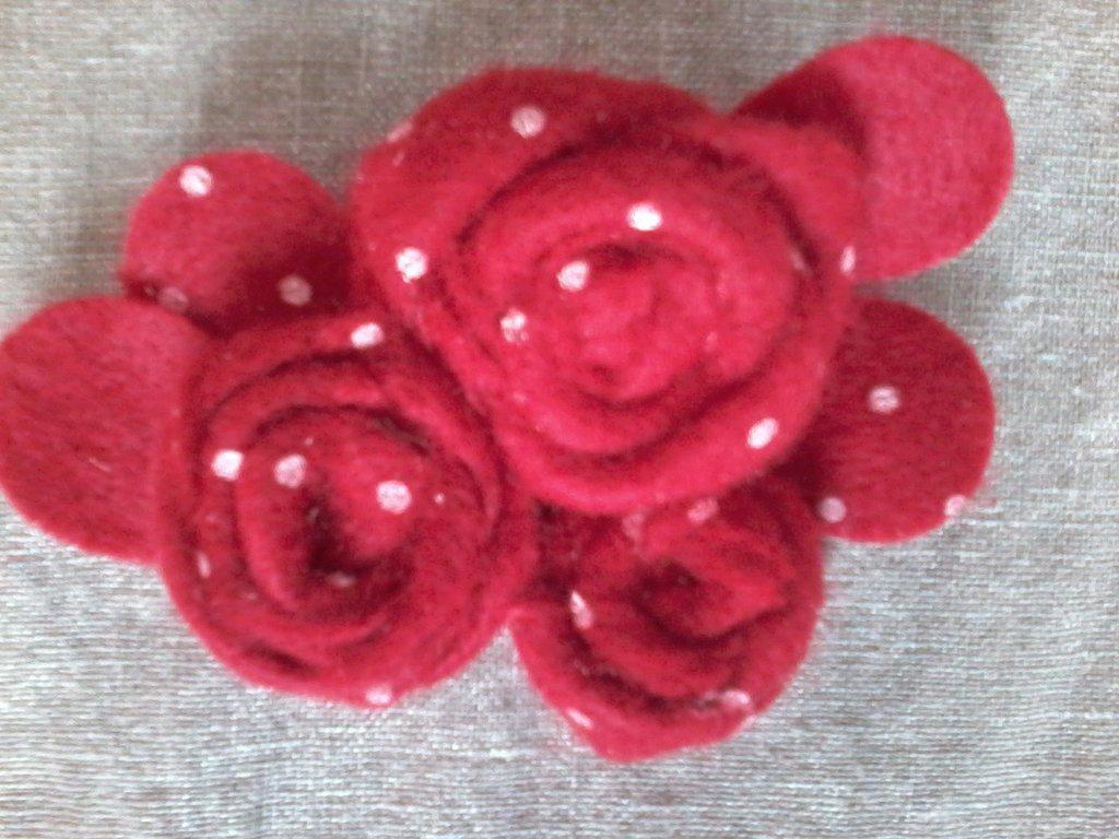 spilla rose rosse