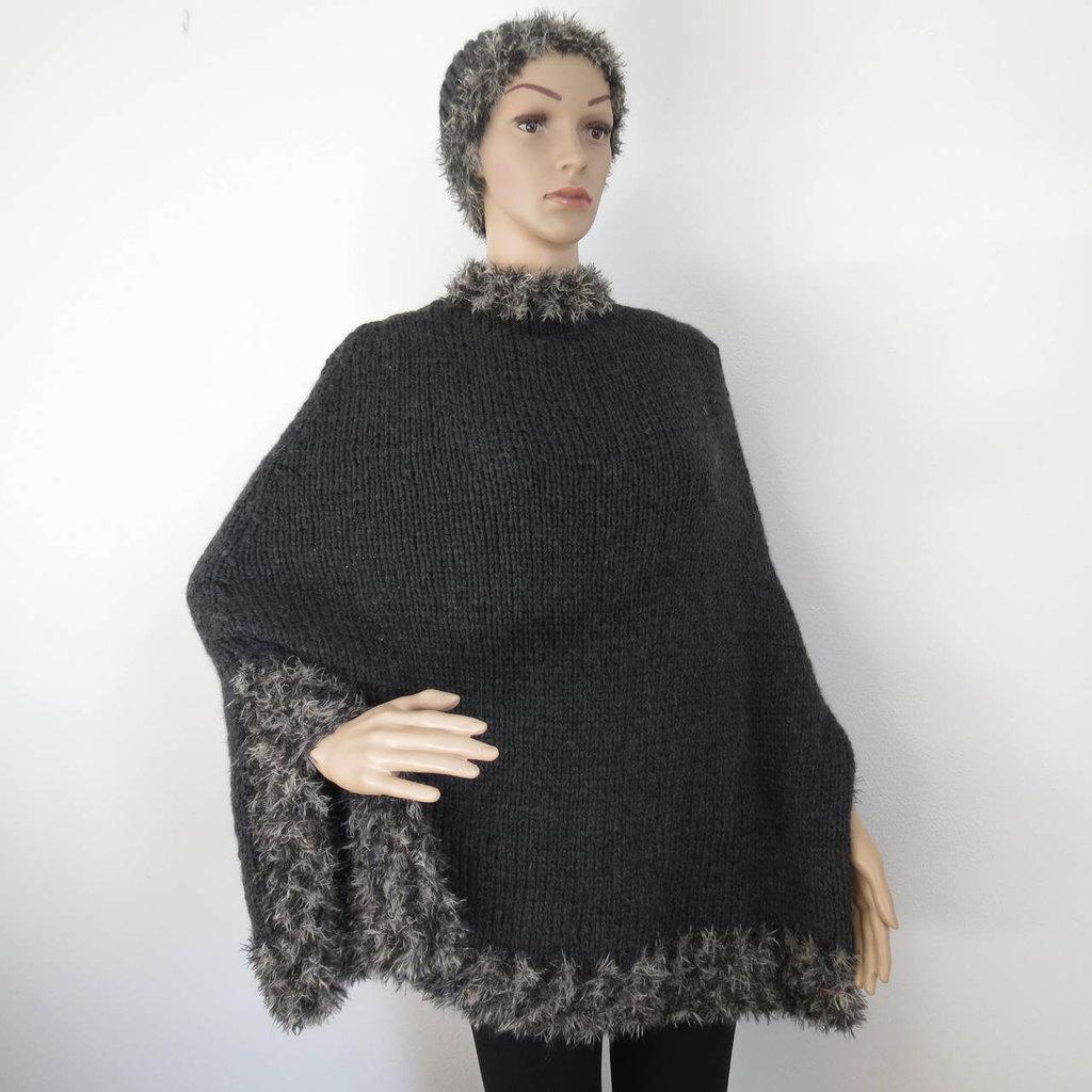 mantella in lana con bordo effetto pelliccia maculata