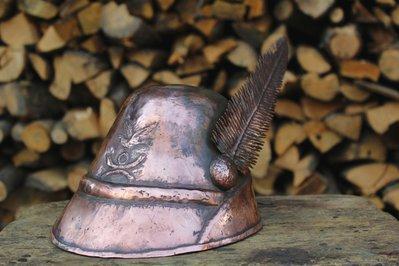 Cappello Alpino in rame lavorato a mano