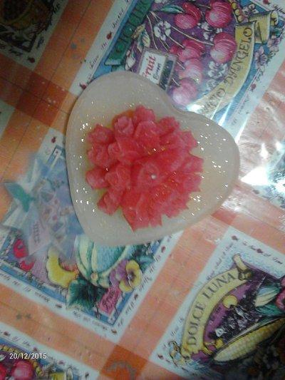 Bouquet di rose con base di cera a forma di cuore