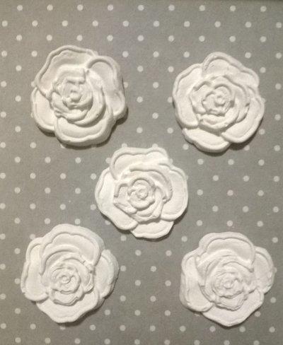 Rosa in gesso ceramico