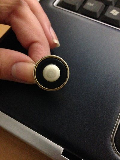 anello bottone blu scuro