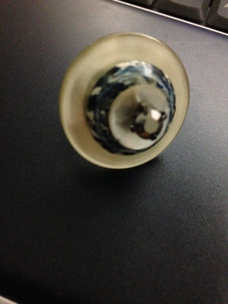 anello bottone bianco e blu