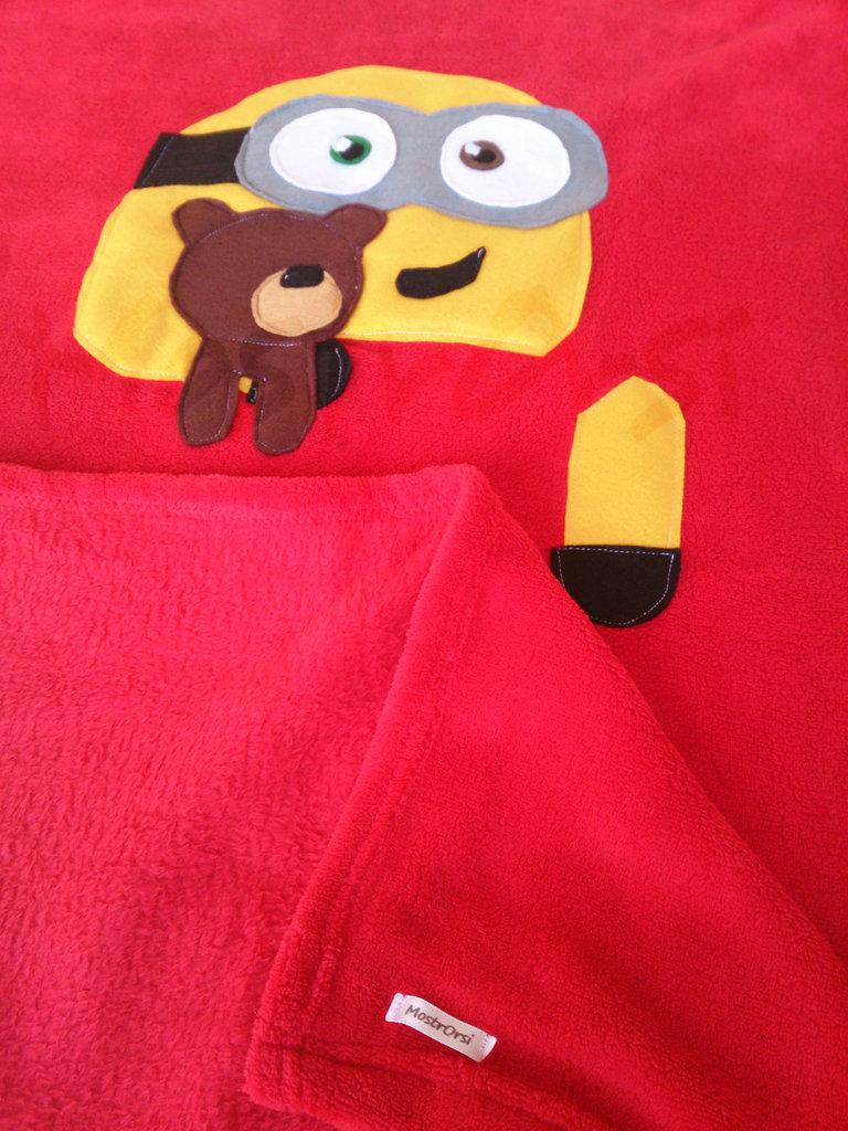 copertina lettino Minion Bob in pile