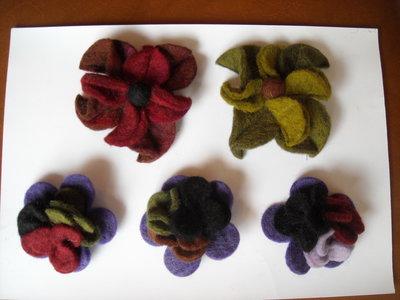 spilla lana cotta quadrifoglio o piccolo bouquet