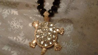 bracciale nero in Onice con pendente tartaruga strass