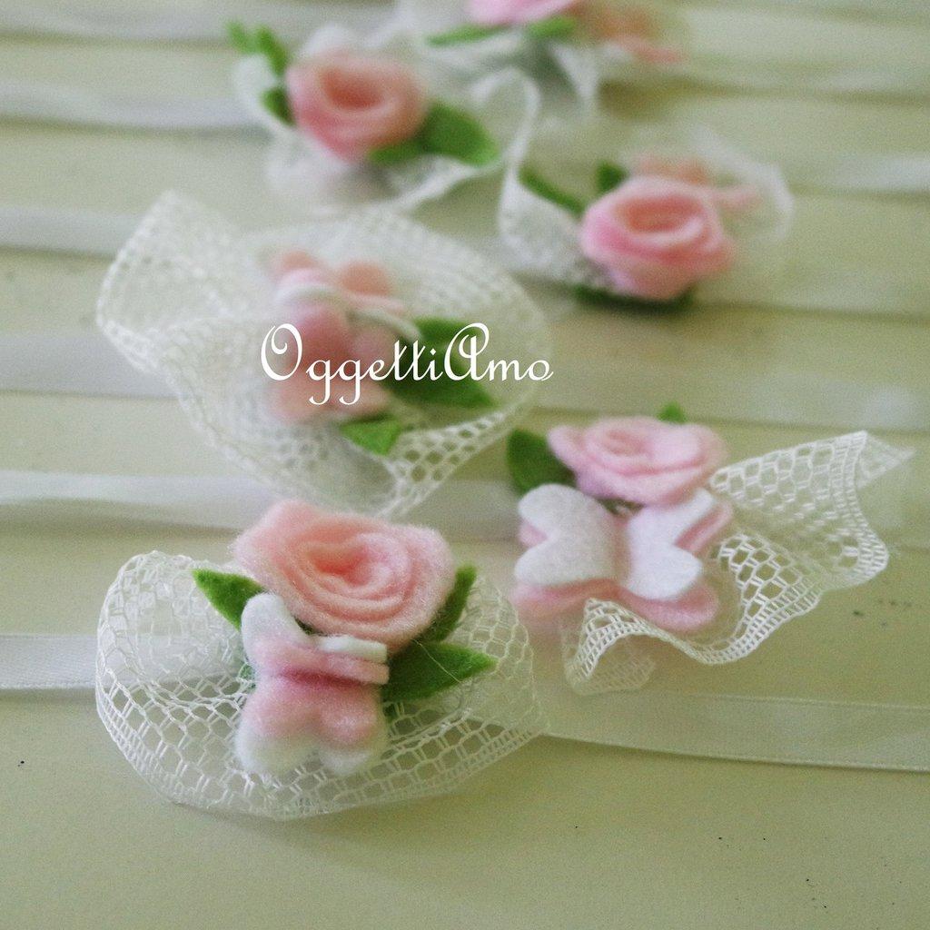 Coccarde di tulle con fiori e farfalle di feltro come segnaposto o per bomboniere delicatamente eleganti ed originali!