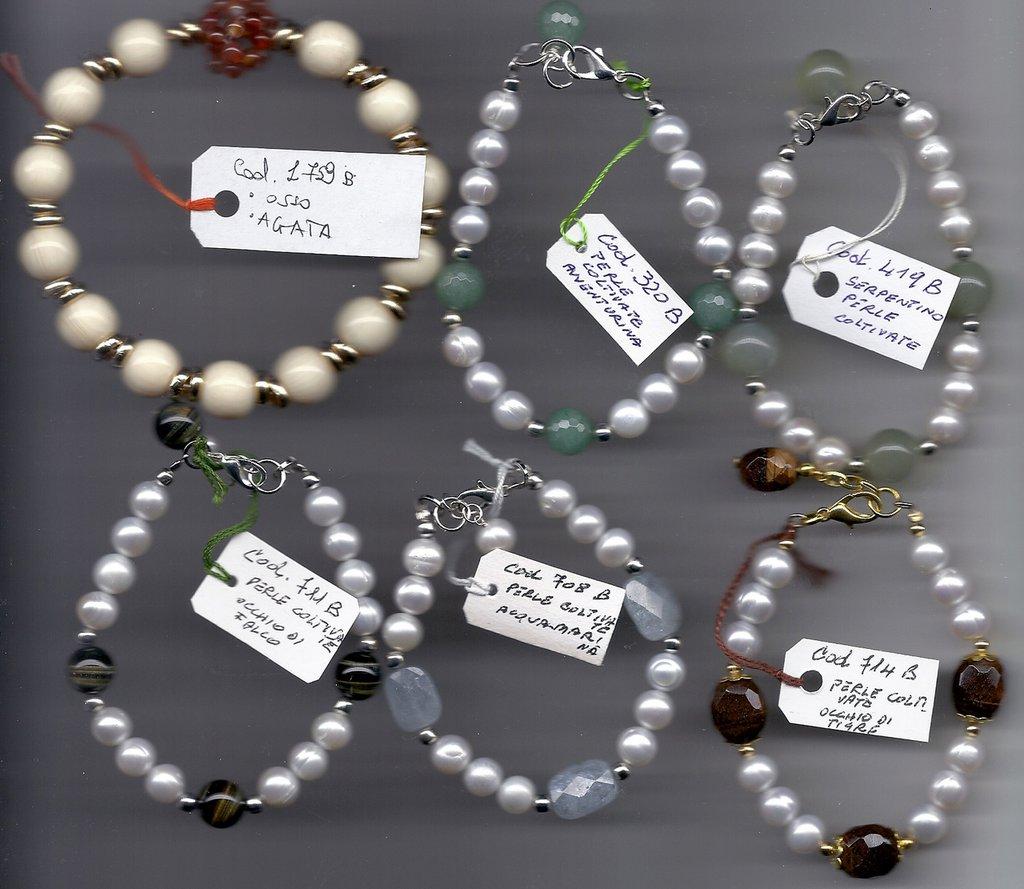 Bracciali pietre dure e perle coltivate.