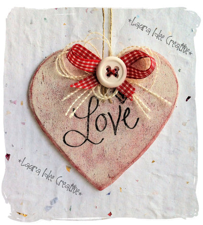Cuore San Valentino shabby in legno con scritta Love