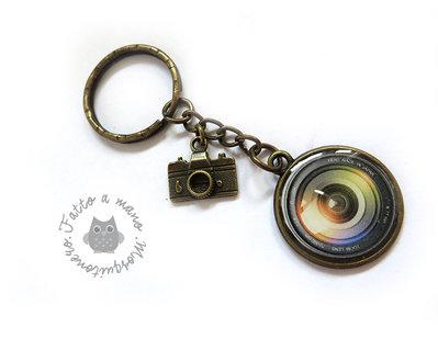 Portachiavi obbiettivo macchina fotografica in metallo color bronzo