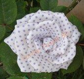 Rosa Shabby bianca con pois lilla - Forme Tessili 3D