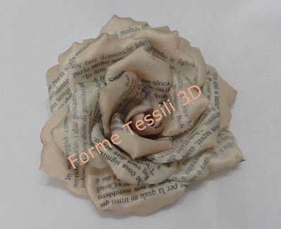 Rosa Shabby con stampa vecchio libro - Forme Tessili 3D
