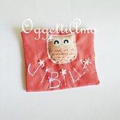 Etichetta in stoffa con nome da applicare sul grembiule o borsa/sacca/zainetto per personalizzarli.