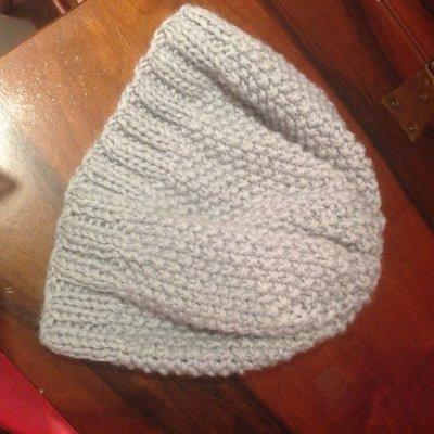 cappello grigio di lana