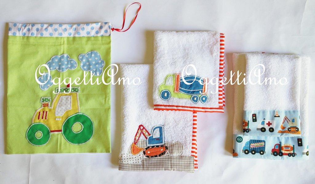 Coordinato scuola 'veicoli': asciugamani ed una sacca scuola per il suo ingresso all'asilo!