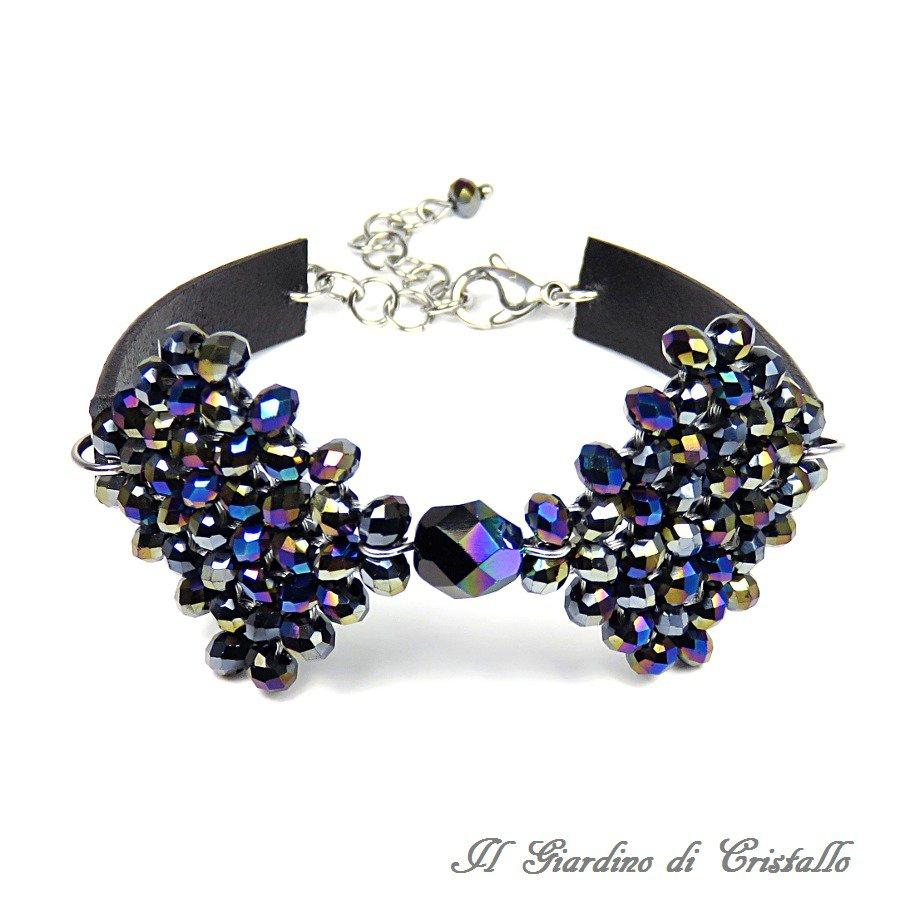 Bracciale fiocco di cristalli nero iridescente vero cuoio e acciaio fatto a mano  - Nasturzio