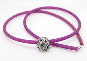 Pendente mezza palla in puro argento con collare in PVC viola