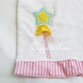 Asciugamani  del coordinato 'Principesse' versione ''scettro'': un asciugamano per la principessa di casa