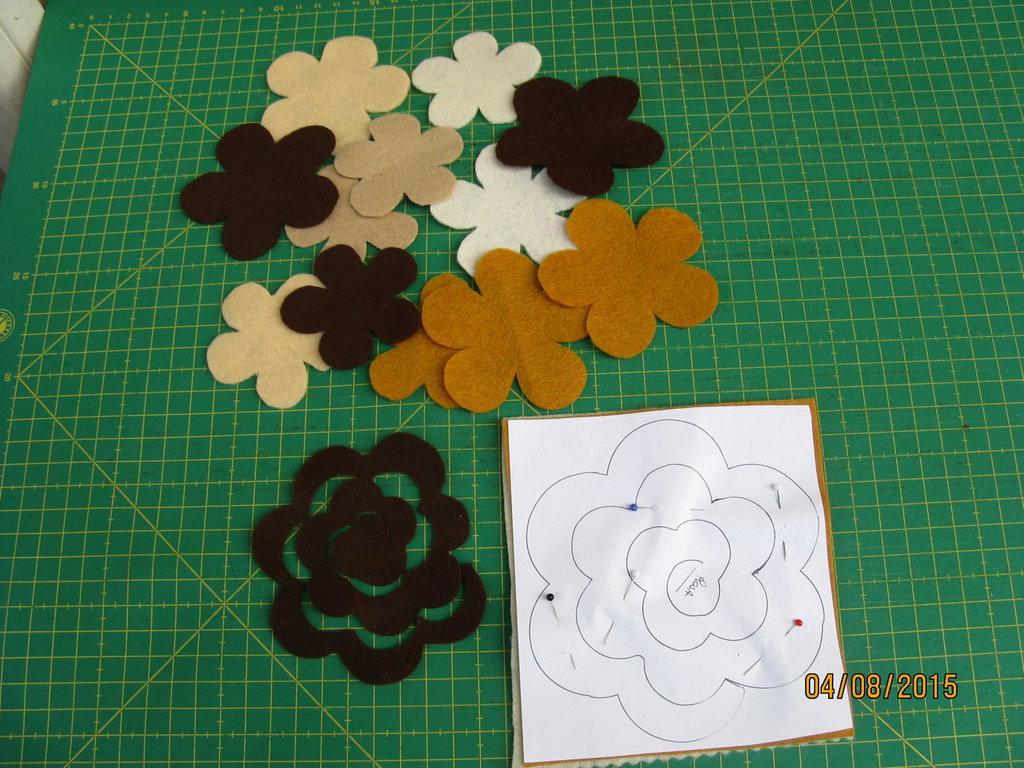 Kit box rettangolare in feltro, porta fazzoletti di carta con roselline in feltro