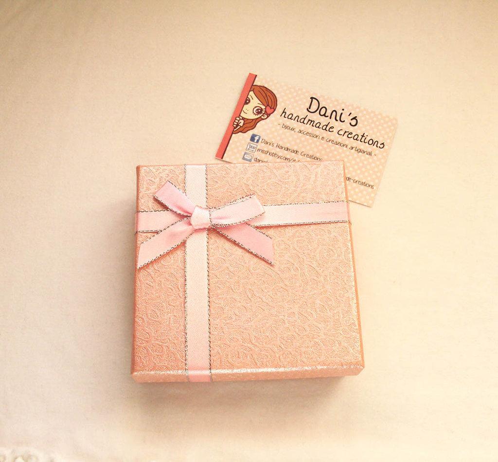 Confezione o scatolina regalo