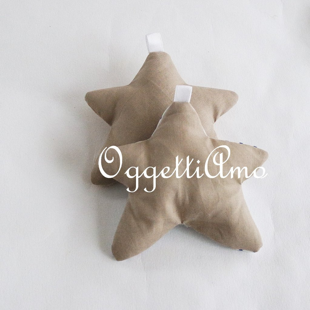 Stella in stoffa imbottita: stelle fatte a mano come bomboniera, segnaposto, portachiavi o calamita.