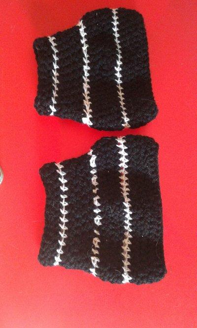 scaldamuscoli sovrastivali in lana bianca e nera