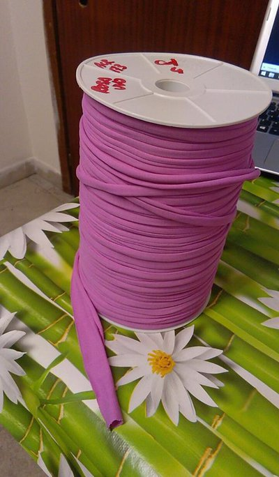 fettuccia in licra rosa vivo