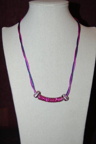 collana con cordino bicolore e perle foro largo