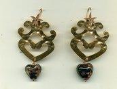 Orecchini in metallo martellato color rame e attacco in argento con cuoricino