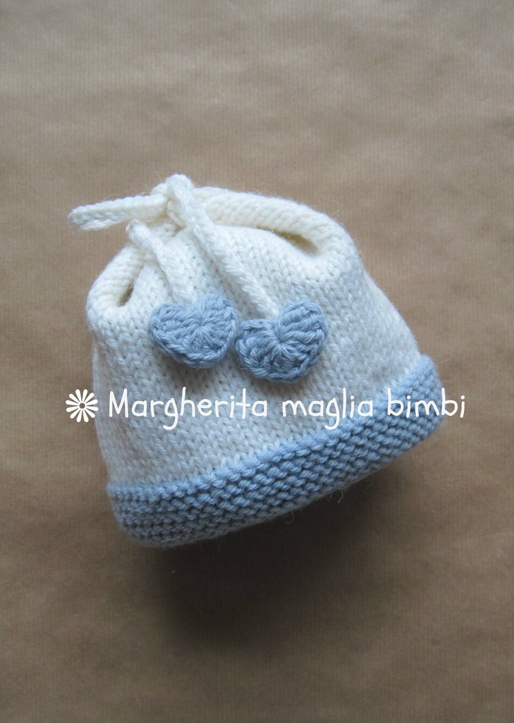 Cuffia, berretto, cappellino neonato con fiocco e cuoricini color blu ghiaccio