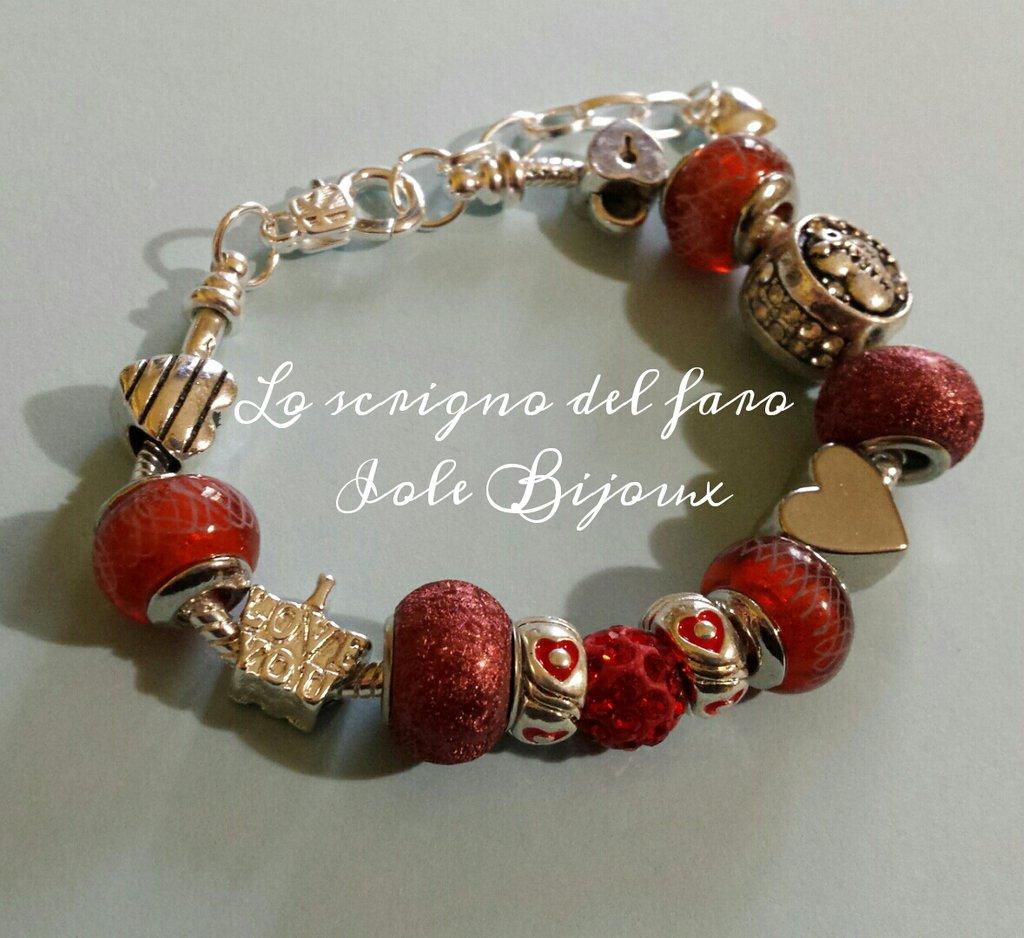 Bracciale metallo perle foro largo rosso ruggine e cuori