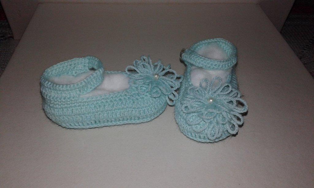 Scarpine  neonata lavorati a mano