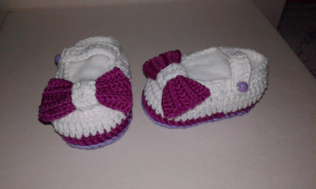 Scarpine di cotone  neonata lavorati a mano