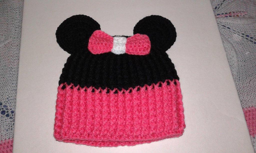 Cappellino neonata lavorato a mano( minnie)