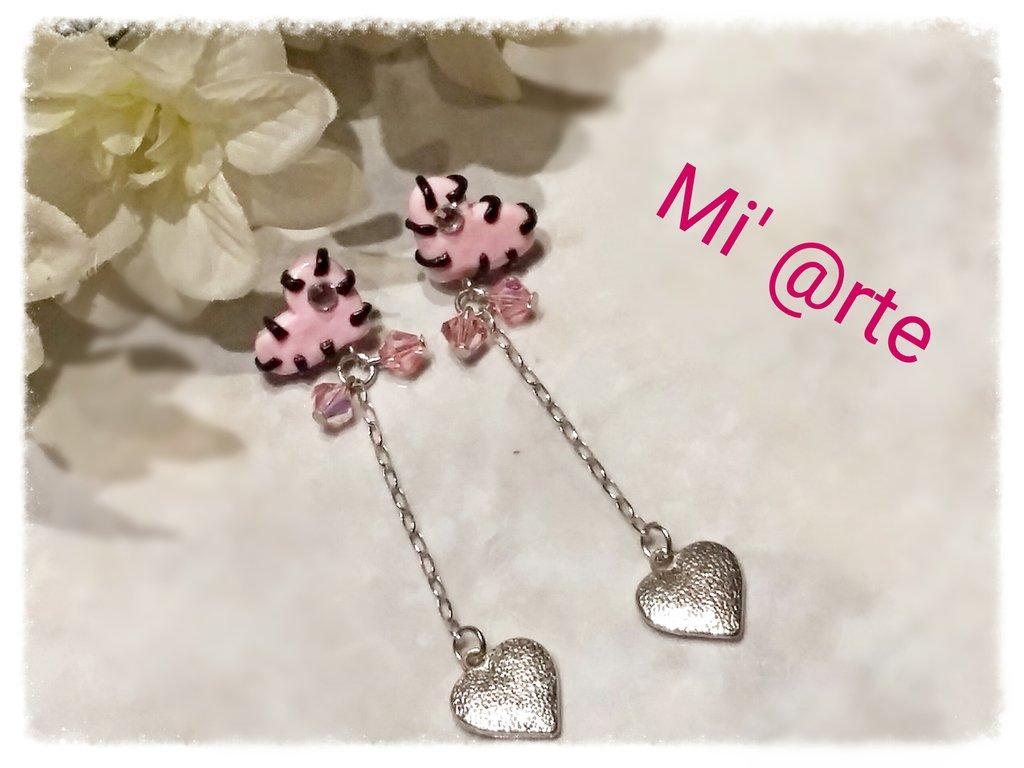 Orecchini pendenti in pasta polimerica cuori rosa e swarovski
