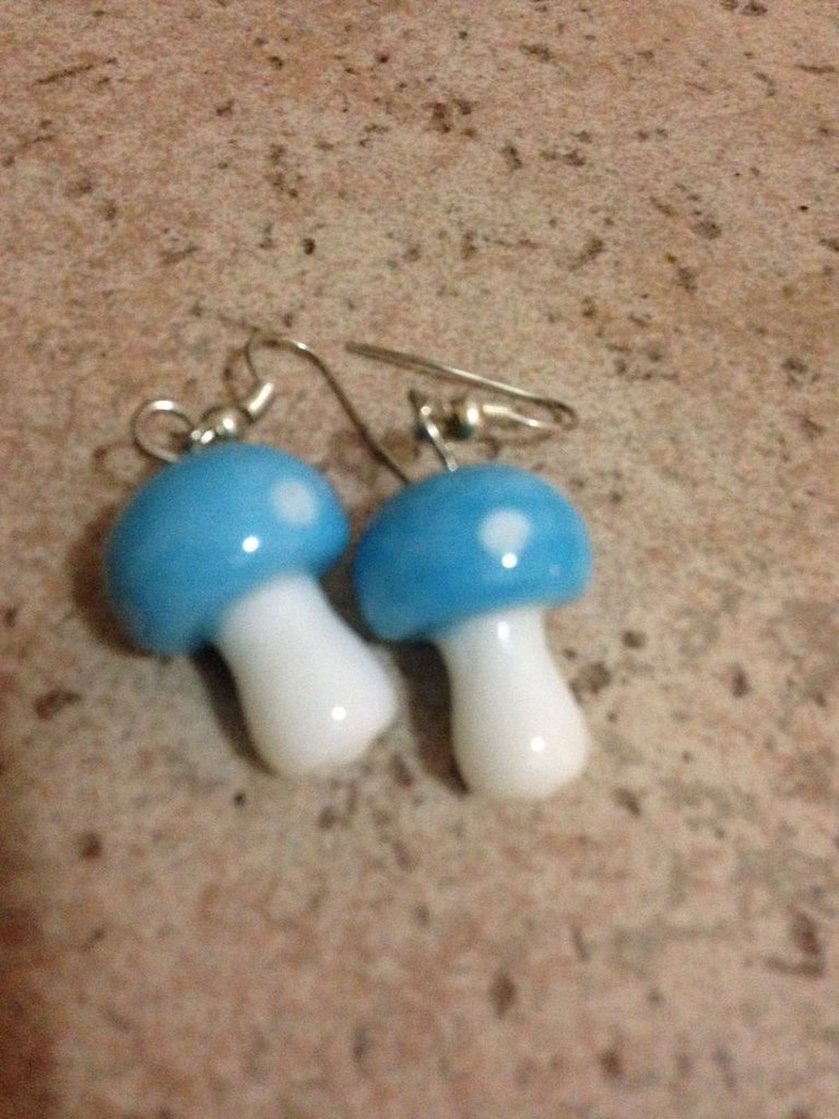 orecchini in vetro resina forma funghetto azzurro idea regalo donna bambina