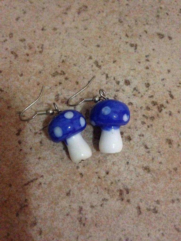 orecchini in vetro resina forma funghetto blu idea regalo donna bambina