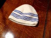 Cappellino bianco e azzurro