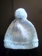 Cappello azzurro in lana