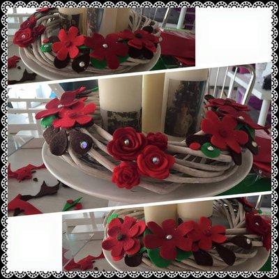 Ghirlanda centrotavola con fiori feltro