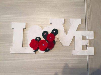 Scritta Love in varie versioni
