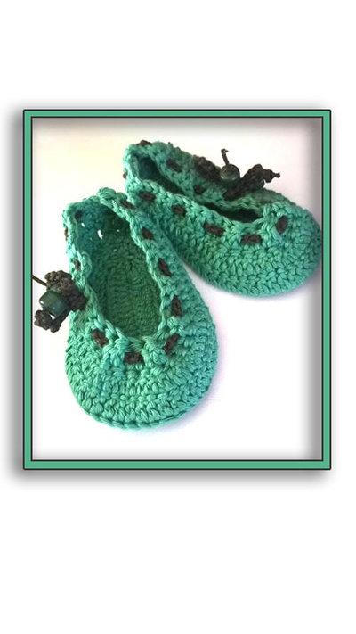 Scarpine stile ballerina ad uncinetto,per bambina, in lana anallergica o cotone nel colore verde e marrone - Modello Dafne-