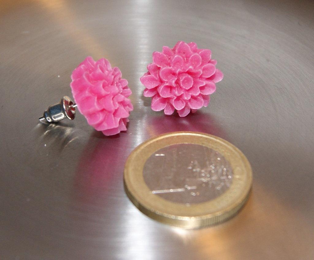 ORECCHINI A PERNO Chrysanthemum Cabochon
