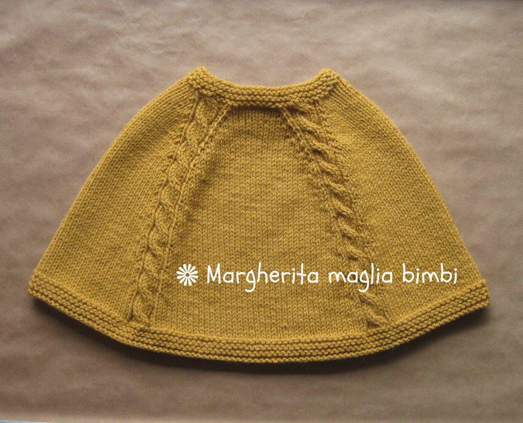 Poncho con trecce colore giallo ocra fatto a mano in lana e alpaca