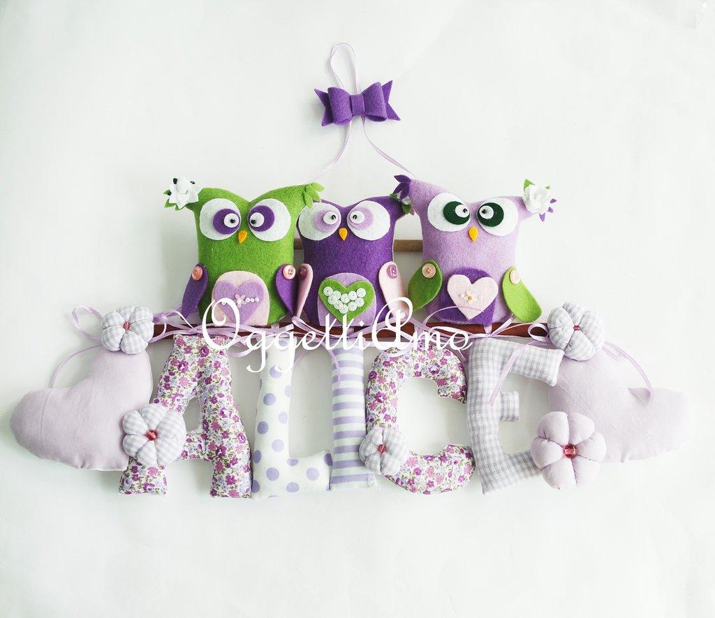 Alice: lettere in stoffa per la sua targa, il fiocco nascita lilla e glicine con gufi e civette