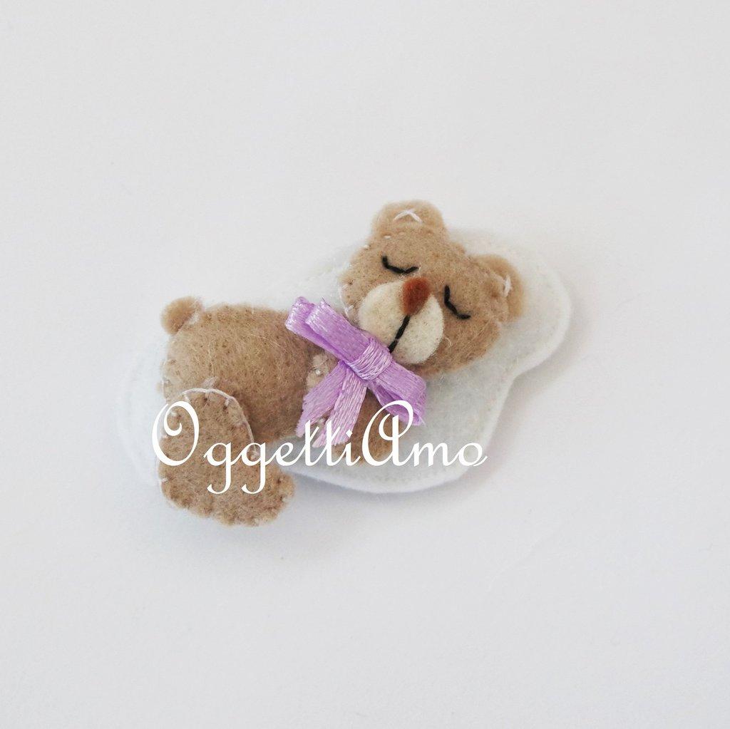 Un orsetto in feltro come bomboniera: orsacchiotti su morbide nuvole per le bomboniere della tua bambina!