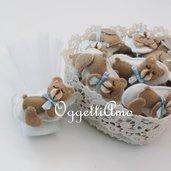Orsetti in feltro fatti a mano per bomboniera: teneri orsacchiotti per le bomboniere del tuo bambino