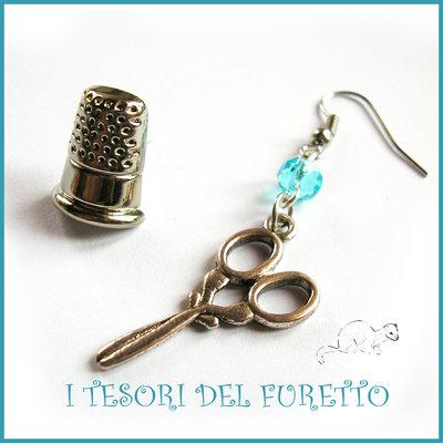 """Orecchini  Sarta """" Forbici  argento tibetano e ditale """"  idea regalo sarta bottoni decorativi kawaii Natale festa della  mamma"""