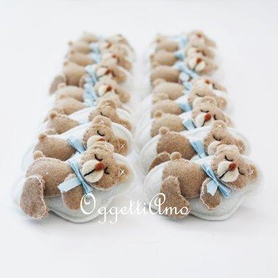 40 orsacchiotti in feltro fatti a mano per le bomboniere del tuo bambino