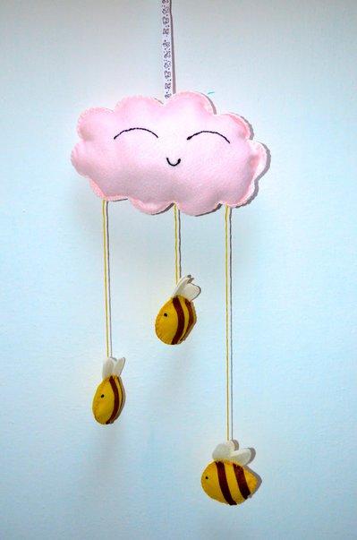 Fiocco nascita a forma di nuvoletta con api